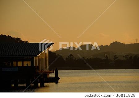 海邊晚上風景 30811929