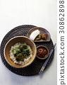 봄나물비빔밥,봄동,취나물,유채잎무침,전호나물,고추장,고추장아찌,낙지젓,무장아찌 30862898
