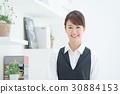 젊은 여성 층 직원, 호텔 30884153