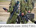 地面自衛隊人員攜帶89式步槍 30927361