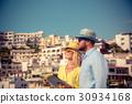 couple summer vacation 30934168