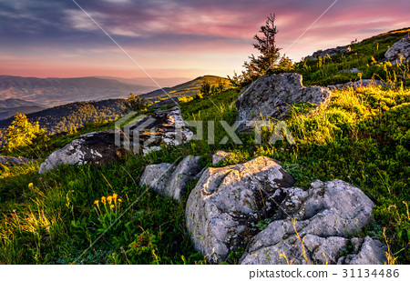 epic sunrise in high mountain ridge 31134486
