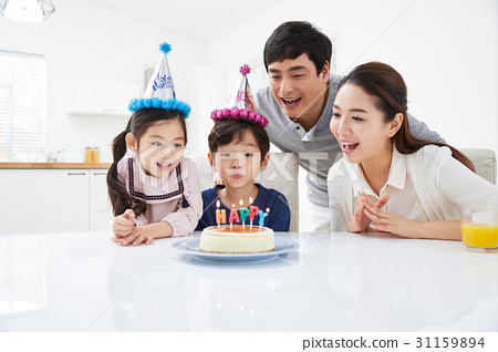 행복한 네 가족 31159894