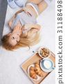 bed, female, breakfast 31188498