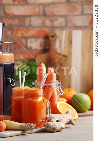 Carrot juice 31228338