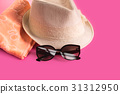 Summer woman's hat and glasses 31312950