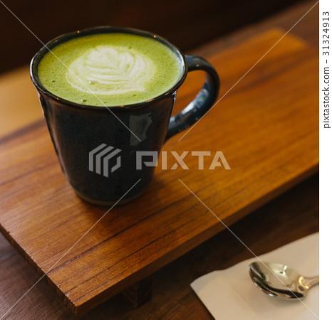 hot matcha green tea latte 31324913