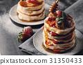 pancake strawberry syrup 31350433