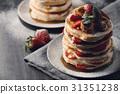 Pancakes 31351238