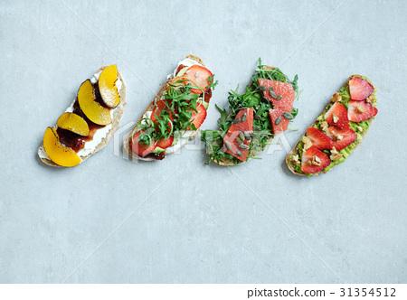 Sweet sandwich 31354512
