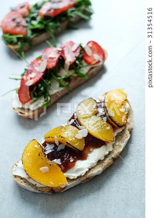 Sweet sandwich 31354516