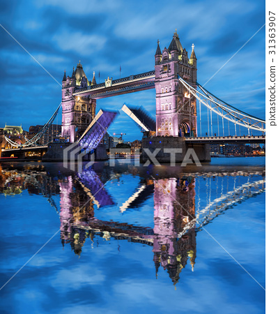 Tower Bridge with open gate in London, England, UK 31363907