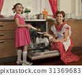 洗碗機 女人 女性 31369683