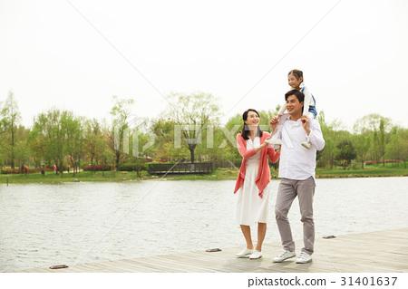 3인 행복한 가족 31401637
