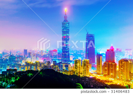 Night view of Taipei 101 31406483