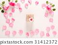 Valentines Day theme with rose petals 31412372