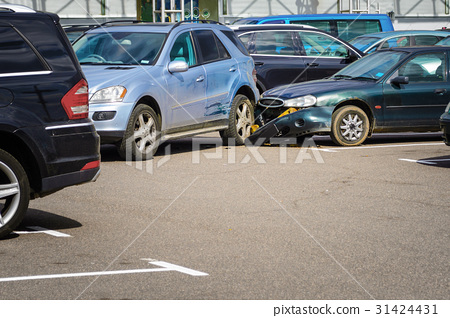 Car accident in the parking lot. 31424431