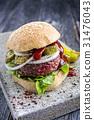 Barbecue Hamburger with Salad Leaf 31476043