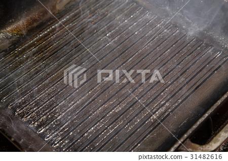 frying pan grill 31482616