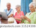 Seniors spending time together 31524306