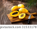 papaya, papayas, fruit 31533178