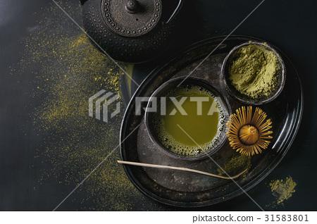Green tea matcha powder and drink 31583801