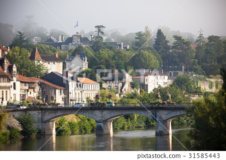 Picturesque view of Perigord town in France 31585443