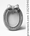 oval shape picture frame on white background 31620946
