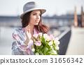 woman springtime portrait 31656342