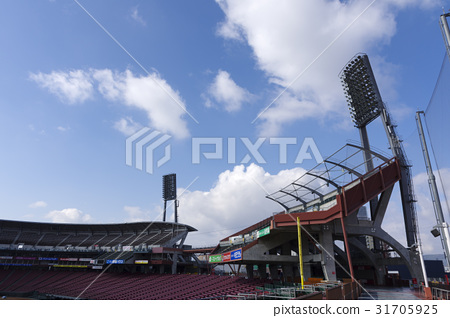 鯉魚家庭基地馬自達體育場訪客表演座位,3基地側內場座位,空中座位,Uchino自由座位 31705925