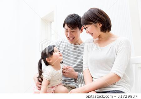 一個家庭 31729837