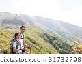 登山徒步旅行的形象 31732798