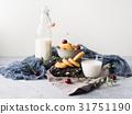 milk, cookie, still 31751190