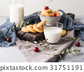 milk, cookie, still 31751191