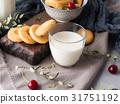 milk, cookie, still 31751192