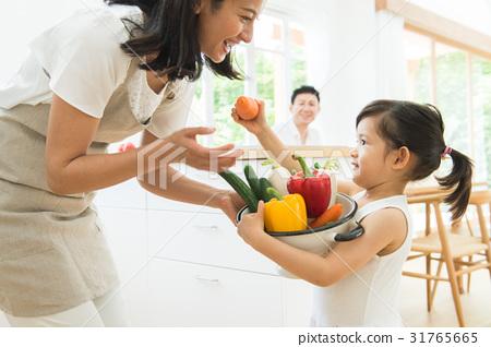 가족의 식탁 31765665
