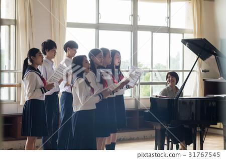 高中生 音樂 樂譜 31767545