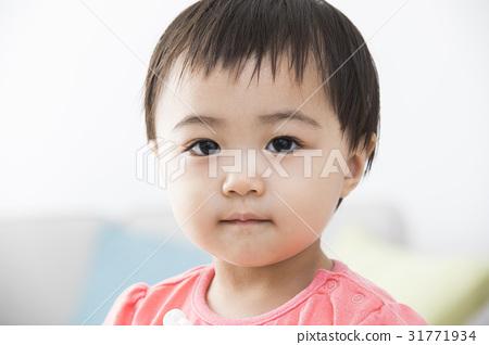 1歲的女孩 31771934