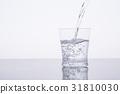 水 飲用水 傾倒的 31810030