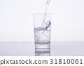 水 飲用水 傾倒的 31810061