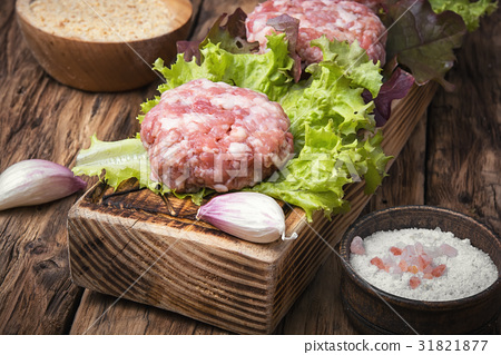 fresh raw minced meat beef 31821877