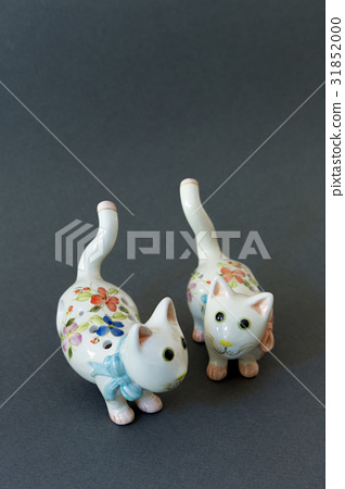 cat, ocarina, still life 31852000