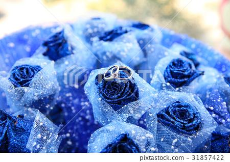 鲜花,手指 31857422
