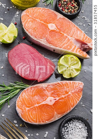 Raw tuna and salmon steak 31857455