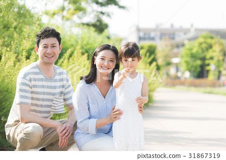 家庭形象(戶外綠色背景) 31867319