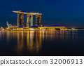 Night scene of Marina Bay Sands Hotel illuminated 32006913
