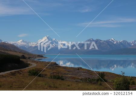 뉴질랜드 마운트 쿡과 푸 카키 호수 32012154
