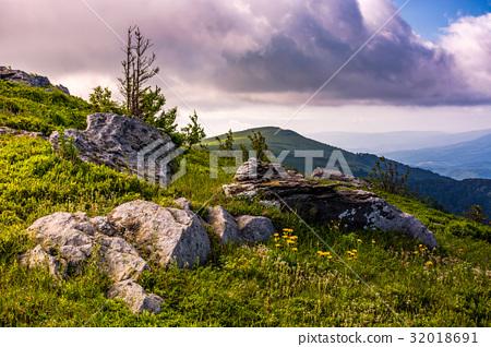 epic sunrise in high mountain ridge 32018691