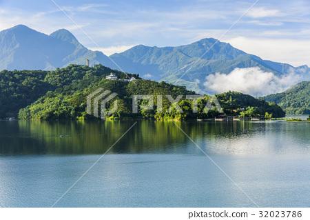 Scenery of Sun Moon Lake in Taiwan, Asia. 32023786