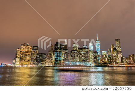 Lower Manhattan at night viewed from Brooklyn 32057550